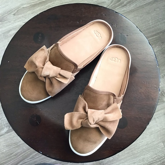 9bc93092ea9 New UGG Luci Bow Mules 9.5